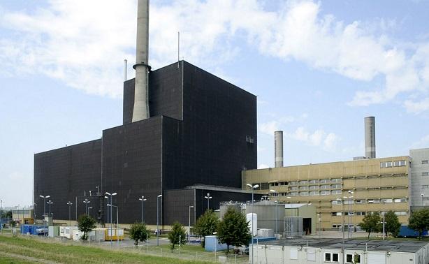Kernkraftwerk_Brunsbüttel_-_Landseite
