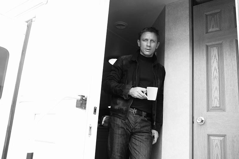james-bond-photos-behind-scenes17