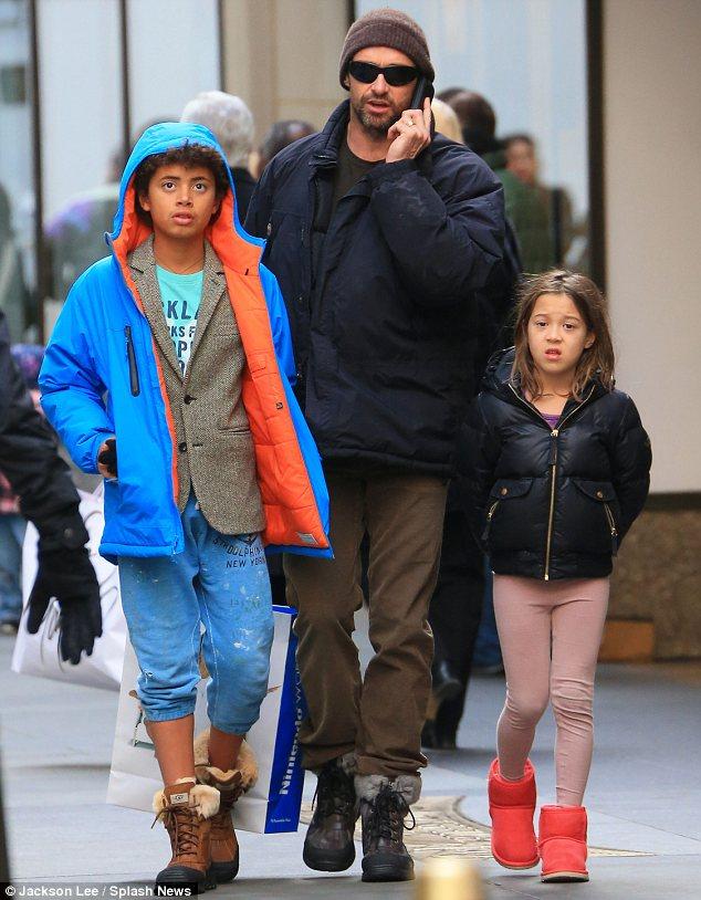Хью Джэкмен с детьми