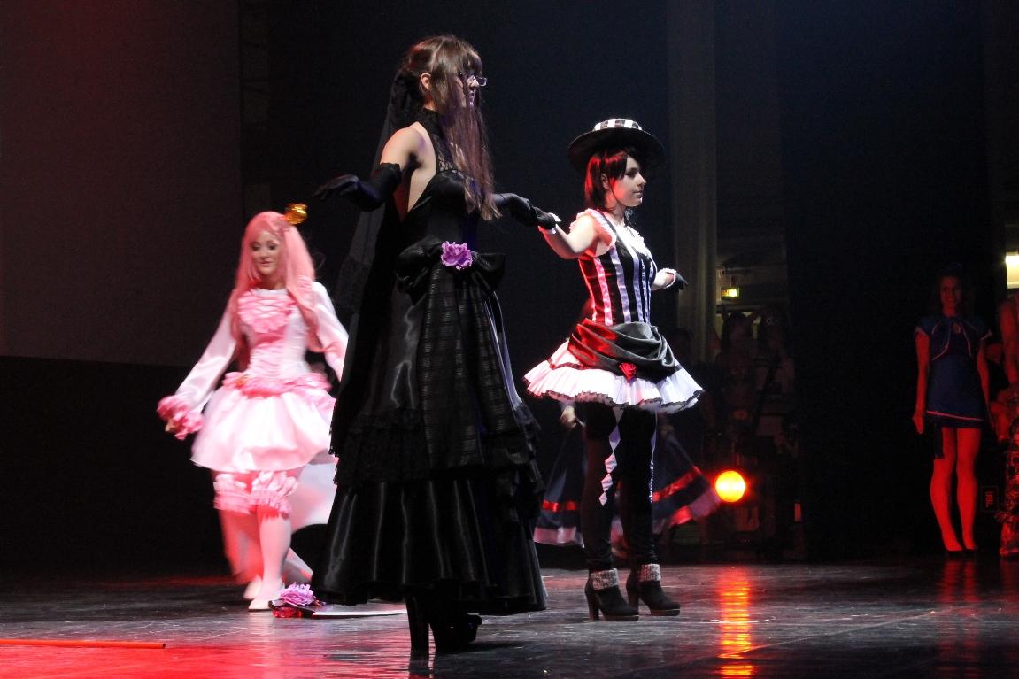 Karina, Аветта, Amaya, Nani - Murakumo Sarasa, Rotten Cross, Momose Haruto, Takikasa Kaya  Silver Rain блок дефиле по компьютерным играм