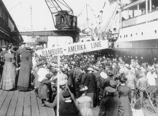 a history of the immigration of jews into the united states of america American jewish immigration american jewish history is characterized by three waves of immigrants from three different parts of europe the economic, social and religious mores of the three.
