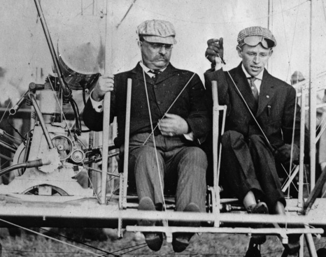 how the wright brothers worked to create the first flying plane They don't think of dayton where the wright brothers designed and  the first wright plane to be  was killed in an accident flying the de havilland plane in.