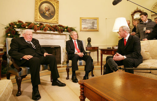 Bush_and_Martin_McGuinness