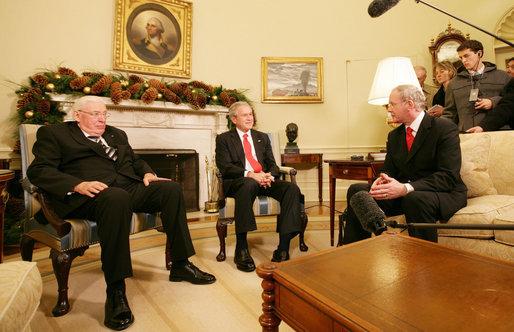 Bush_and_Martin_McGuinness