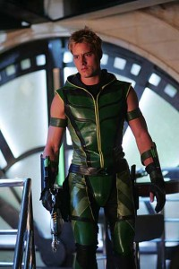 Green_Arrow_Justin_Hartley-11