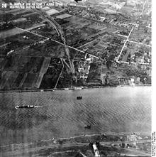 220px-Bundesarchiv_Bild_195-0588,_Rheinbefliegung,_Kripp_-_Remagen