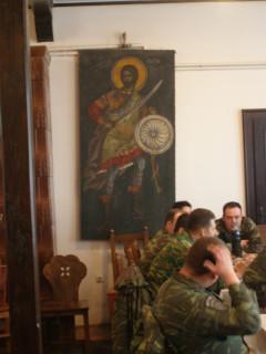 Греки-натовцы в монастырской столовой