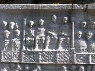 Барельеф эпохи Феодосия на площади Ипподром