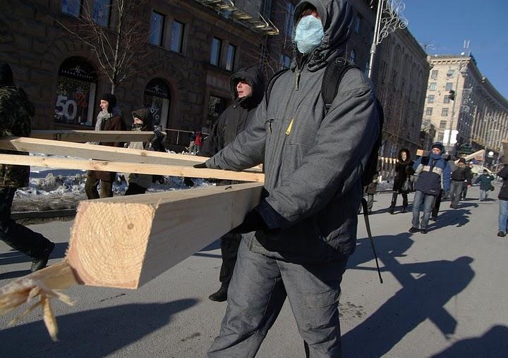 http://pics.livejournal.com/kermanich/pic/00207s0c