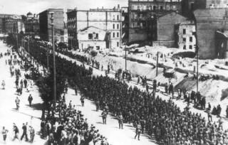 Нацисты и раньше прогуливались по Крещатику