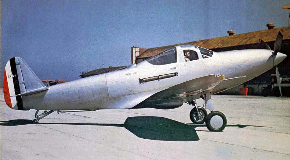 Bell XFL-1 Airabonita на стоянке