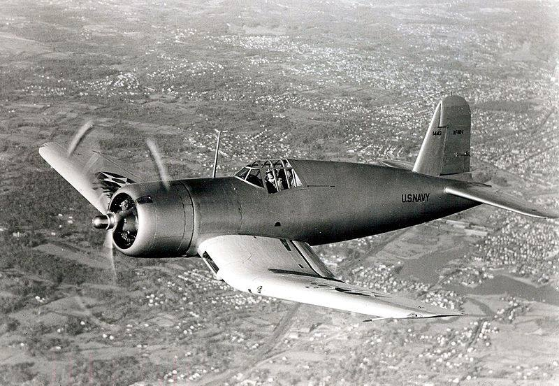 Прототип XF4U-1 в полёте, 1940 г.
