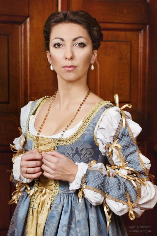 Костюмы и платья италия