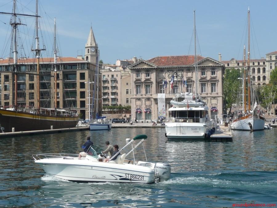 Марсель для путешественников на круизном лайнере -