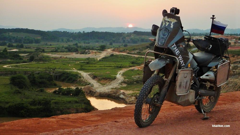 DSCN8732 Олег Харитонов, Вокруг света на мотоцикле, the way,.JPG
