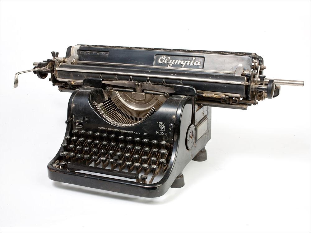 криминалистической фотографии фото печатная машинка олимпия использовать для создания
