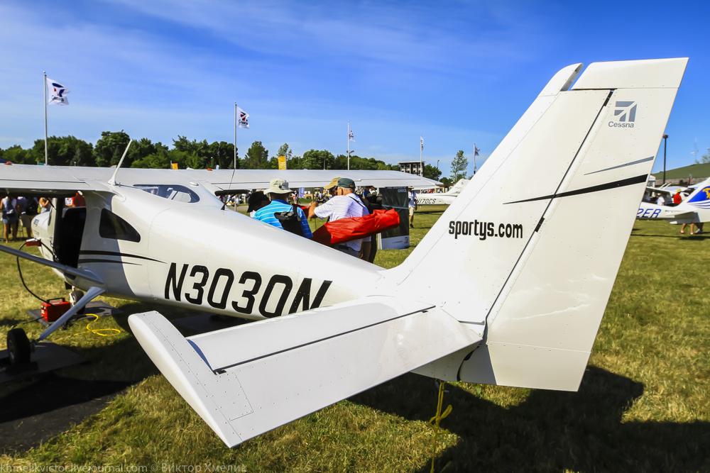 Cessna162-1.jpg