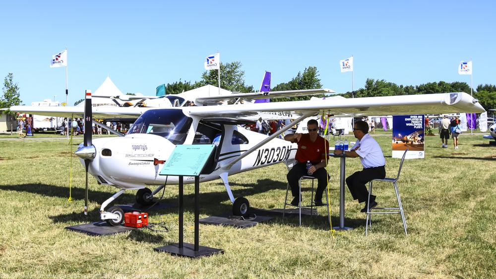Cessna162-2.jpg