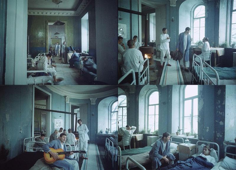 15. Овальная зала на втором этаже дома Домгера, кадры из фильма «Звездопад», 1981 год.jpg