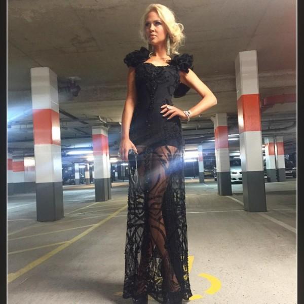 мария в платье 2