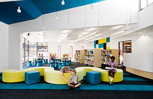 interior-outstanding-blue-yellow-stlukes-design-colorful-spray-color-at-school-designs