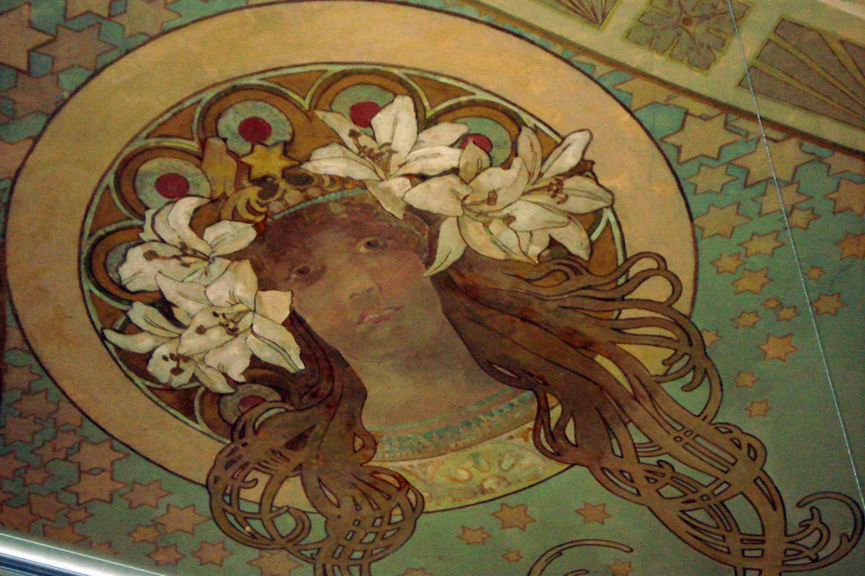 Шоколадный домик_Портрет Сары Бернар на потолке зала Модерн_Шелковичная17-2.JPG