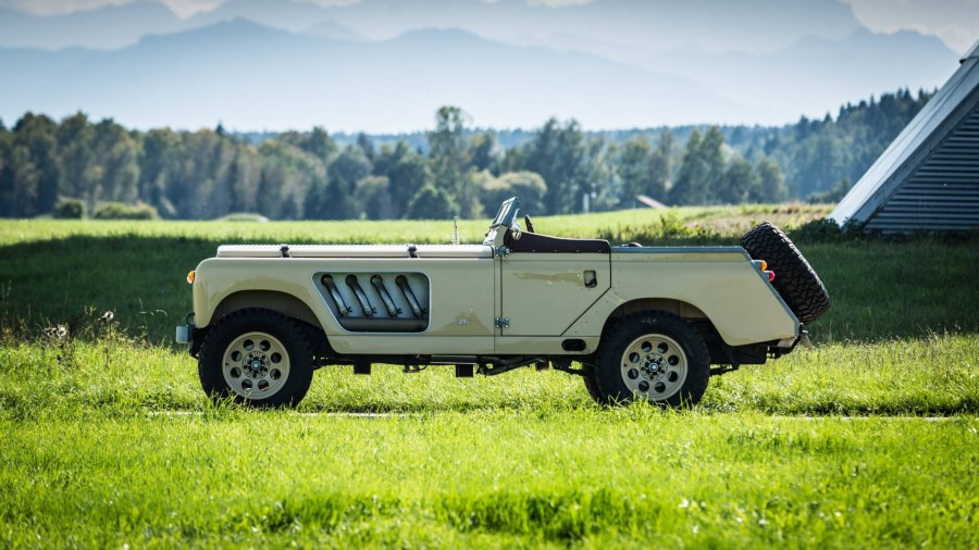 land-rover-109-roadster
