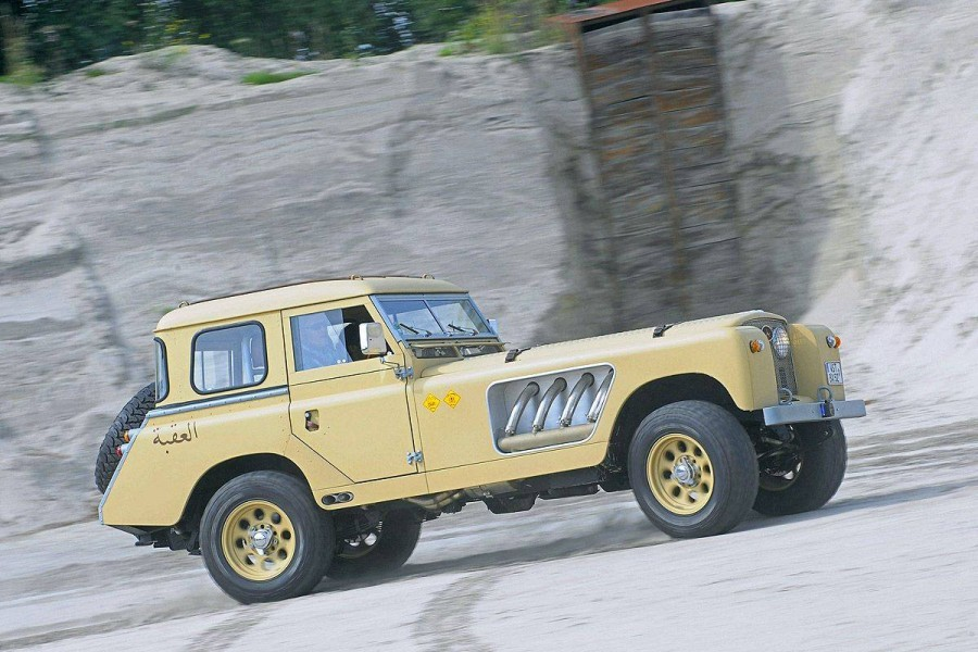 land-rover-roadster