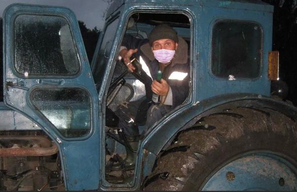 тракторист-в-маске