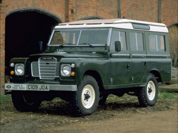 1971_Land_Rover_Series_III-e1337932185825