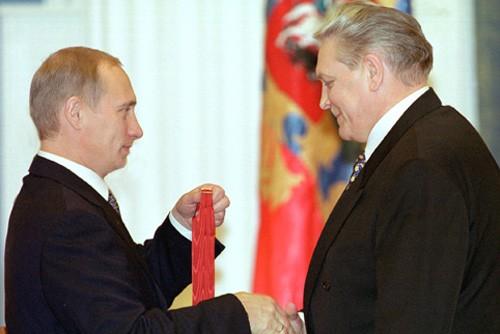 Vladimir_Putin_20_September_2000-5