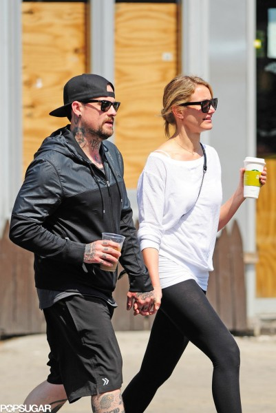 Cameron-Diaz-Benji-Madden-Holding-Hands-Pictures (8)