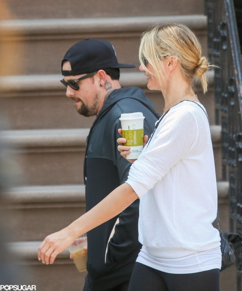 Cameron-Diaz-Benji-Madden-Holding-Hands-Pictures (11)