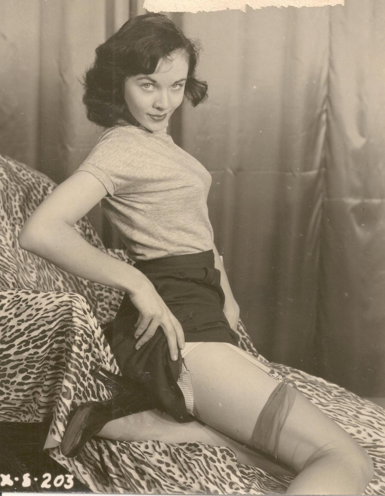 Ретро эротика нижнего белья фото 23 фотография