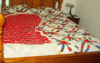 Double Wedding Ring Quilt and Afghan