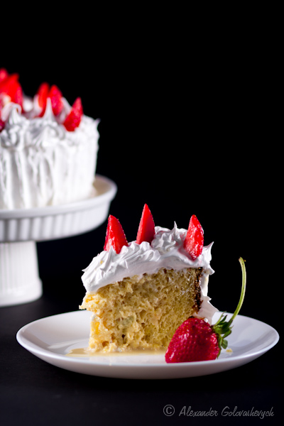Тres leches cake