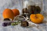 Шоколадно-абрикосовые конфеты с лавандой_новый размер