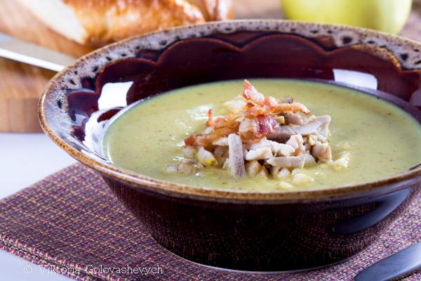 Суп карри с курицей и яблоком/ Potage Mulligatawny