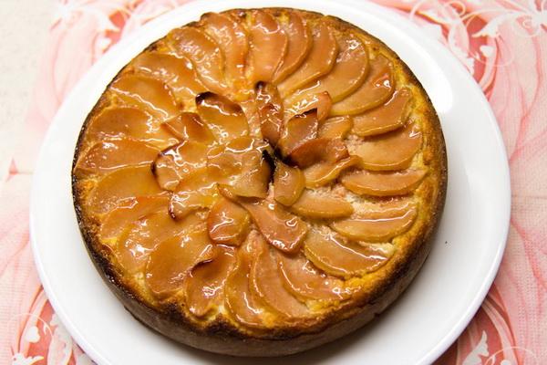 выпеченный пирог