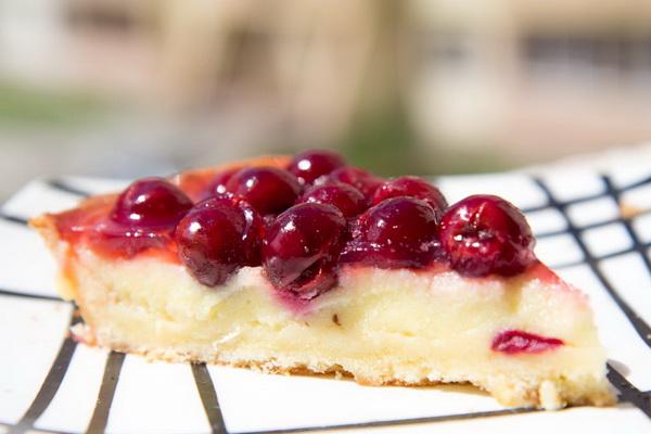 тирольского ягодами и Рецепт пирога творогом с