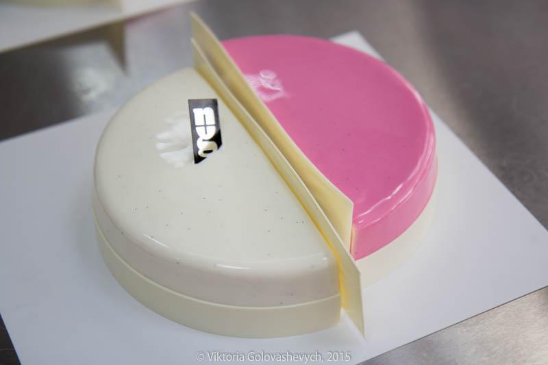 Зеркальная шоколадная глазурь для эклеров и тортов ...