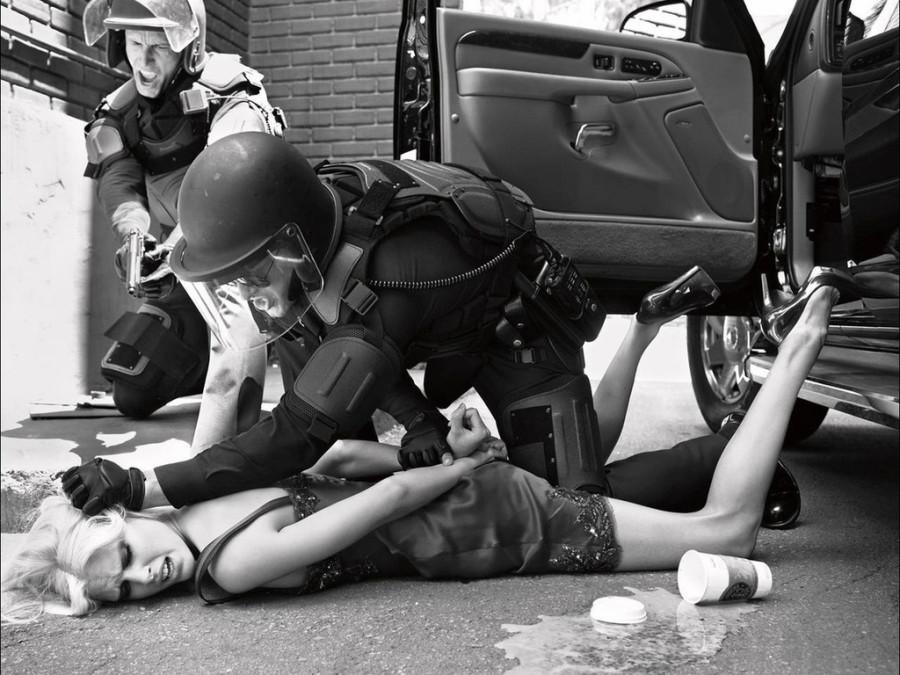 полицейский задержал женщину