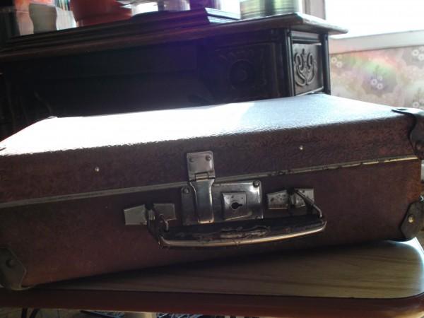 Папин чемодан 001.jpg