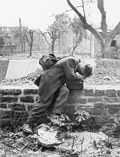 Немецкий солдат 1946
