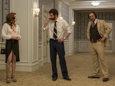 Афера по-американски | American Hustle; реж. Дэвид О'Рассел; Эми Адамс, Брэдли Купер, Кристиан Бэйл