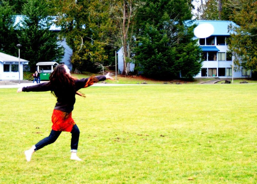 frisbee 2 by Anna Rosenfeld.jpg
