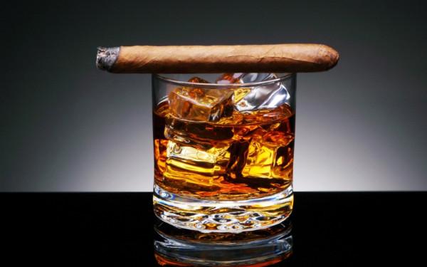 1357673472_degustaciya-viski-i-sigar-dzhentelmenskiy-nabor-1
