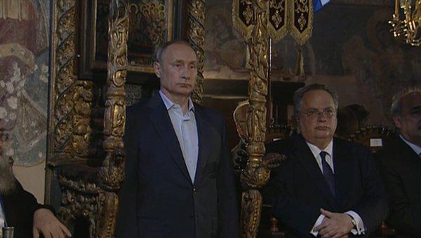 Путин на троне