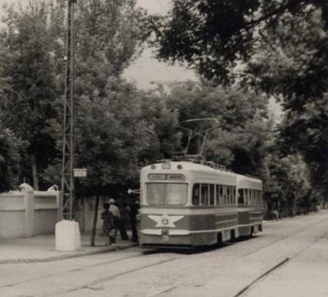 Угол улиц Коммунаров и Ленина, начало 60-х - копия