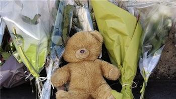 Игрушка на месте гибели детей в Тулузе